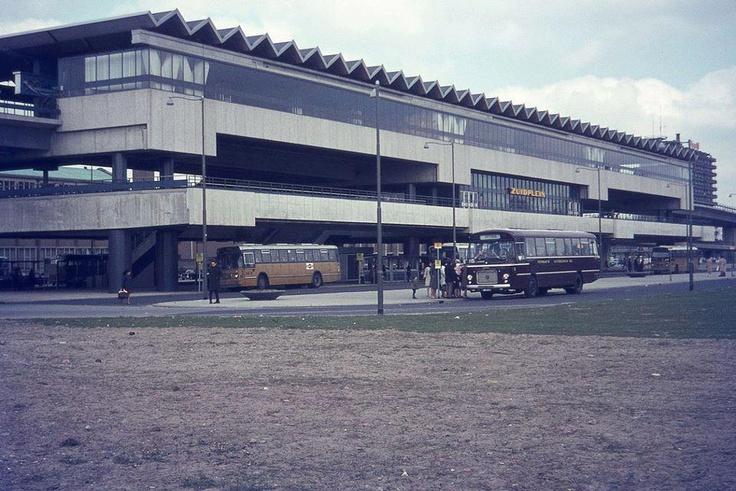 Metro station Zuidplein.