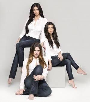 Les soeurs Kardashian lancent une nouvelle collection de jeans