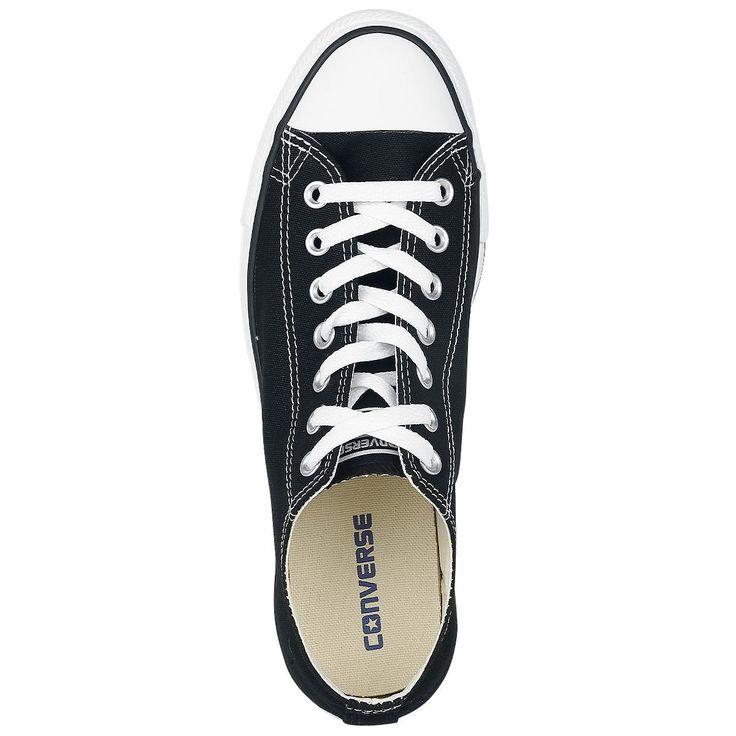 """Classiche scarpe sportive """"Chuck Taylor AS Core"""" del brand #Converse nere nella versione estiva bassa."""