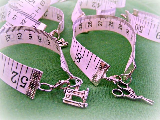 Tape measure bracelets. Much too cute! Great gift idea too!
