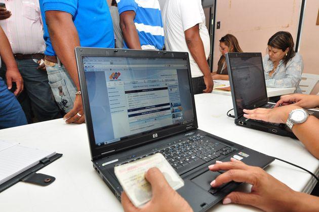 Votantes pueden verificar en portal del CNE centros electorales de contingencia (+Fotos y Video)
