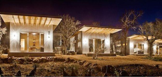 Grupo de amigos cria um conjunto de casas minúsculas para fugir do stress da cidade grande
