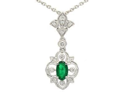 PENDANT/CHAIN, 18K white gold, emerald 0,22 ctw, 14 brilliant cut diamonds 0,09 ctw, TW(G)/VS, length 40 cm #emerald #necklace #jewelry