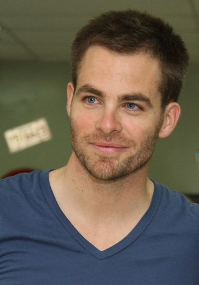 The 35-year old, 183 cm tall Chris Pine in 2016 photo