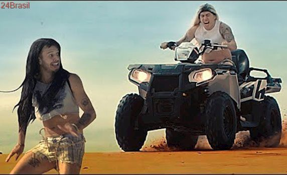 NA SUA CARA   PARÓDIA Major Lazer - Sua Cara (feat. Anitta & Pabllo Vittar) (Official Music Video)