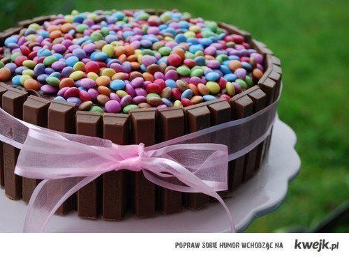 I love food. I love chocolate <3