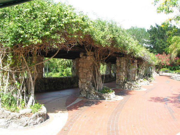Lakeview Terrace pinecrest gardens/ venue