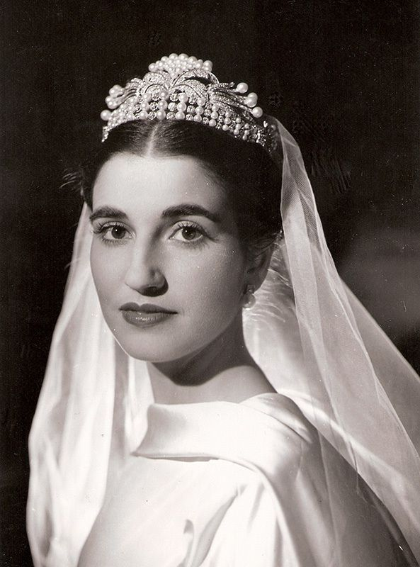 Royal Jewels of the World Message Board: tiara of Franco family