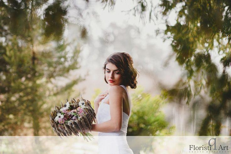 FloristiQ Art Event- #BloomYourBusiness Floral design : Julie Pearson Photography & Editing: Vasile Stan Photography Dress : Oana Lupas Make-up : Cristina Popa Hair : Nasaudean Tudor , Headline Romania Dress: Designed by Oana Lupas