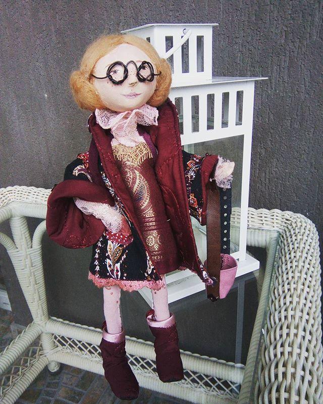 Куколка  в пальто. Хотелось смешную. Получилась фифа.  #куклыручнойработы #хендмейд #игрушкиручнойработы