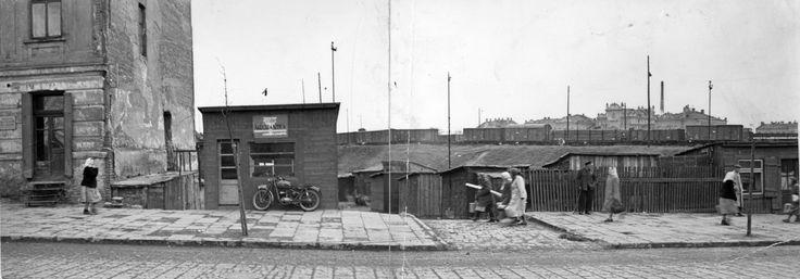 1957 ul. Kunickiego w głębi dworzec PKP