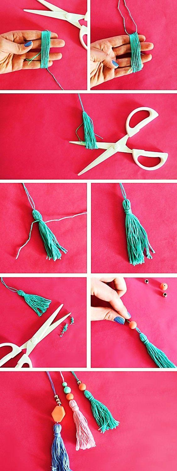 BISUTERÍA FÁCIL Y DIVERTIDA / PASO A PASO GRATIS | Bisuteria Coketa Diy Crafts To Sell, Diy Crafts For Kids, Handmade Crafts, Kids Diy, Crochet Keychain, Crochet Bookmarks, Marque-pages Au Crochet, Wie Macht Man, Diy Tote Bag