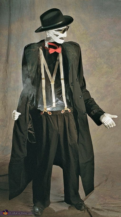 Craziest Halloween costume ever. The Invisible Man Illusion. I wish it would tell you the secret.