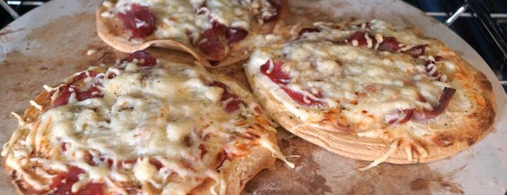 low-carb-rezepte-rucola-pizza-aus-kichererbsenmehl-7