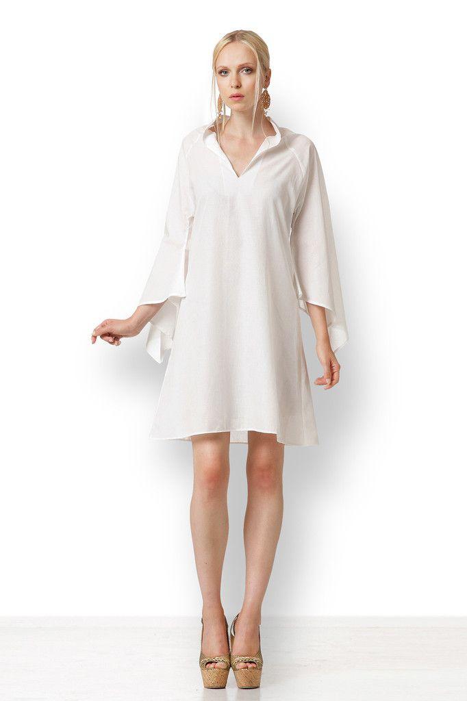 ΤΟΥΝΙΚ ΛΕΥΚΗ Εύκολο και θηλυκό φόρεμα σε στυλ τουνίκ. Είναι αέρινο και δροσερό. Μπορεί να φορεθεί από το πρωί στο ξενοδοχείο πάνω από το μαγιό μέχρι το βράδυ στην ταβέρνα ή στη βόλτα. Δεν έχει κουμπιά ή φερμουάρ. Το μήκος του είναι 100 εκατοστά, αλλά προσαρμόζεται ανάλογα με το ύψος σας.