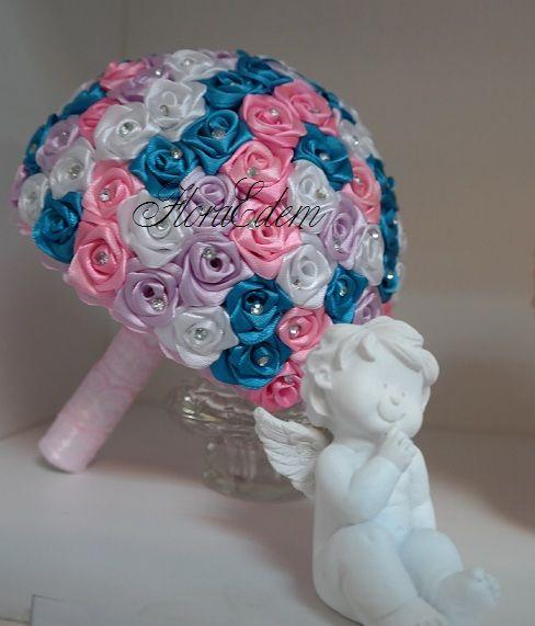 Красивый букет невесты с маленькими розочками из атласных лент. Купить или заказать букет невесты можно в Нарве. Доставка по всей Эстонии Информация: + 372 53 815 356