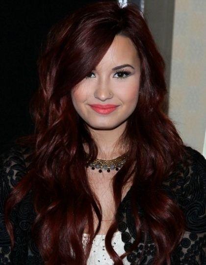Demi Lovato Burgundy Red Hair ... Ohhh loveeee