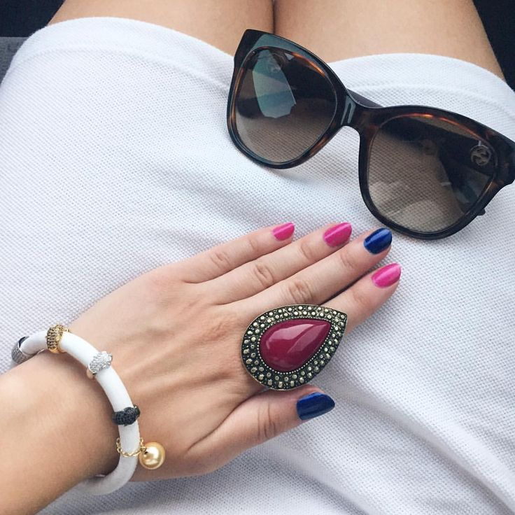 Fuschia and navy blue color block nails