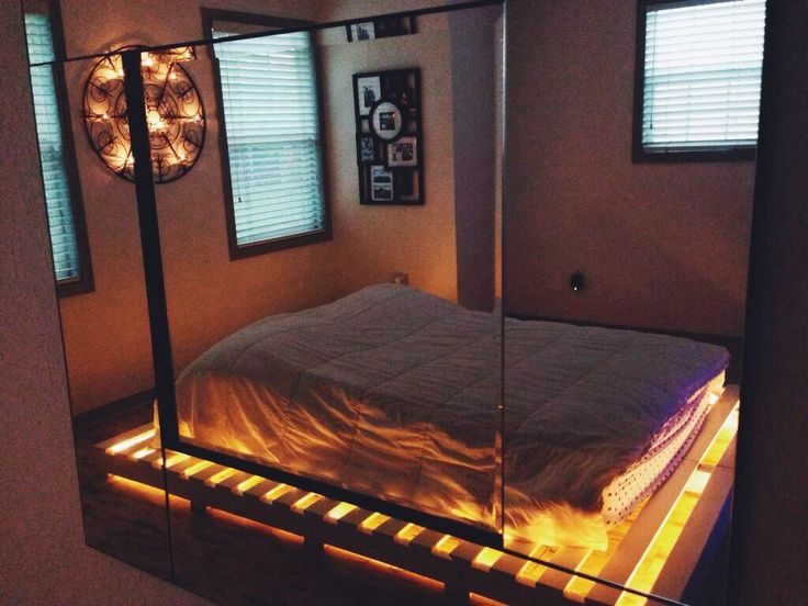 pallets under bed with lights 1