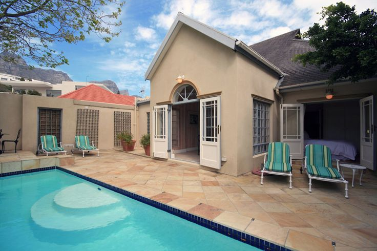Villa The Drive - Picturesquely situated between the majestic Twelve Apostles mountain range and the azure Atlantic Ocean, Camps Bay offers an unparalleled experience. The sandy white beach is idyllic, with its grassy areas ... #weekendgetaways #campsbay #southafrica