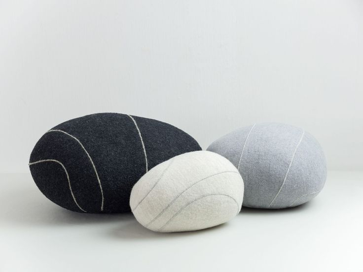 Coussin rond LIVINGSTONES by Stéphanie Marin