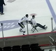 Wow, I really HATE the Penguins, but this is REALLY freakin' funny!!!