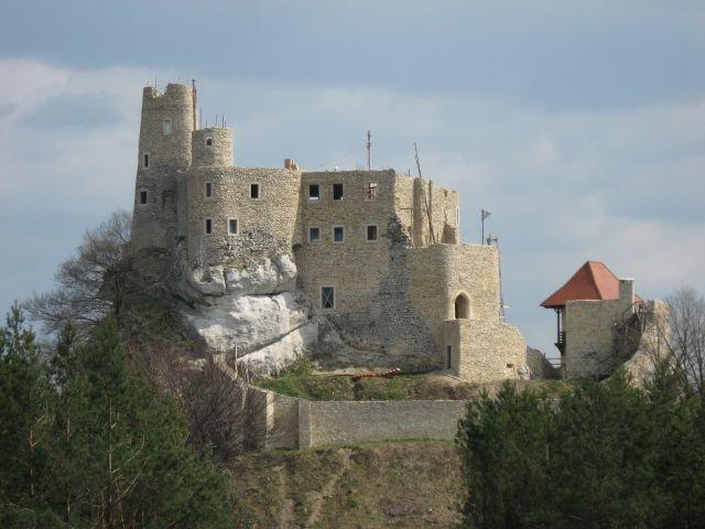 polska_jura_krakowsko_czestochowska_ruiny_zamku_bobolice.jpg