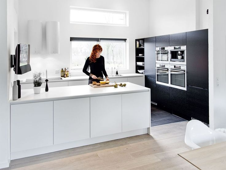 Pernille Nørgaard og hendes kæreste lever et aktivt liv med to travle karrierer, fem børn tilsammen, sport og fritidsliv.
