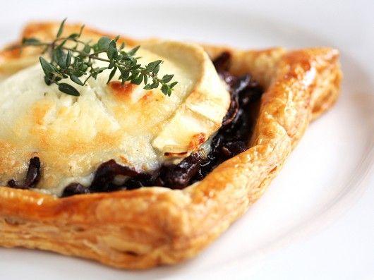 Tærte med gedeost og karamelliserede rødløg | foodfanatics opskrifter