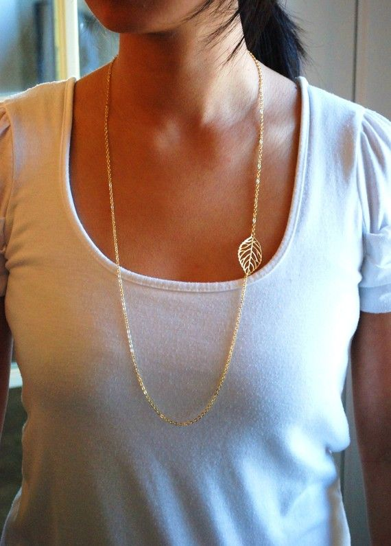 Single Leaf Long Necklace not a jewelry person.. but I like this!