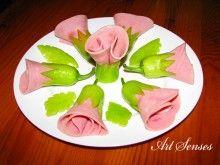 Рози от шунка и чушки за предястие