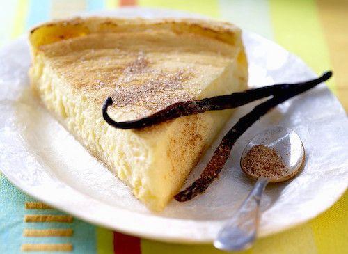 Découvrez la recette de la tarte au lait. Pour préparer ce dessert, il vous faudra : de la pâte feuilletée, du lait, des œufs, du sucre, une gousse de vanille, un bâton de cannelle ...