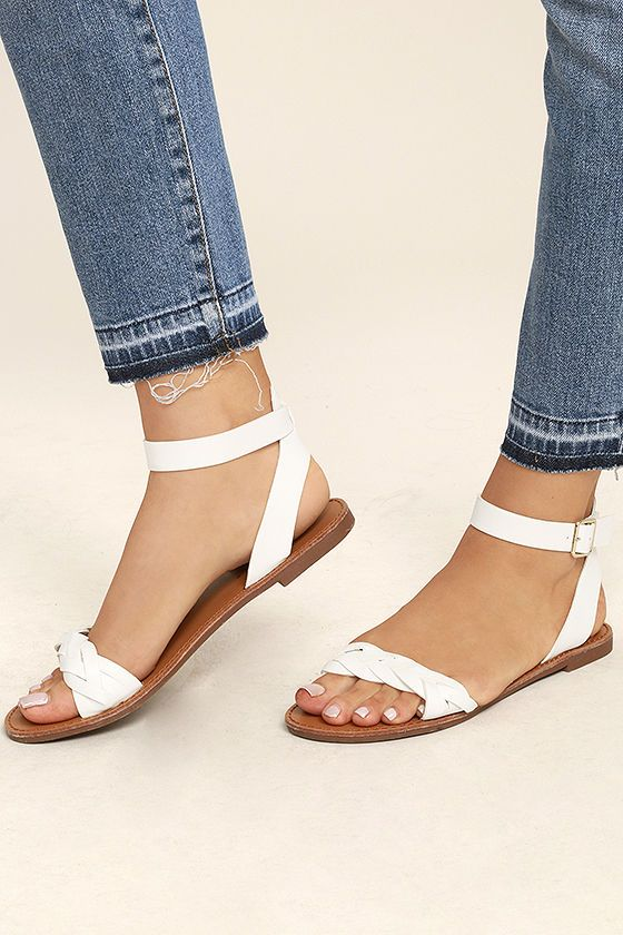 Be the girl everyone's talking about in the Tinsley White Ankle Strap Sandals! You can wear these vegan leather sandals anywhere, with their simple braided toe band and gold-buckled ankle strap.