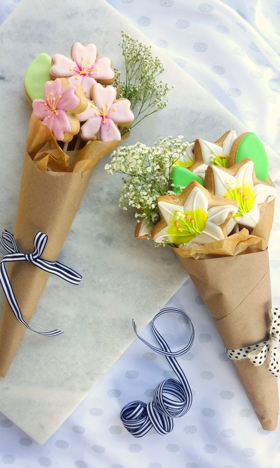 Sugar Cookie Flower Bouquets for Mothers