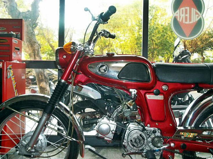 #restoration of #HONDA #SS50V #motorcycle 1971 model https://www.facebook.com/biketherapypatras and http://www.biketherapypatras.gr/
