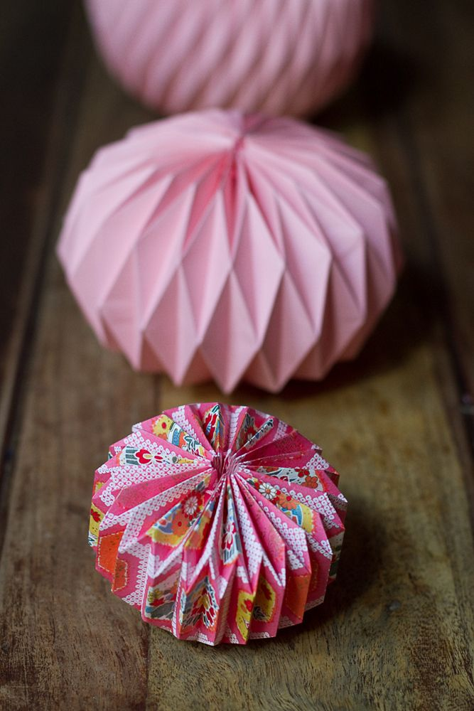 DIY origami ball. Step-by-step tutorial in French by Cachemire & Soie…
