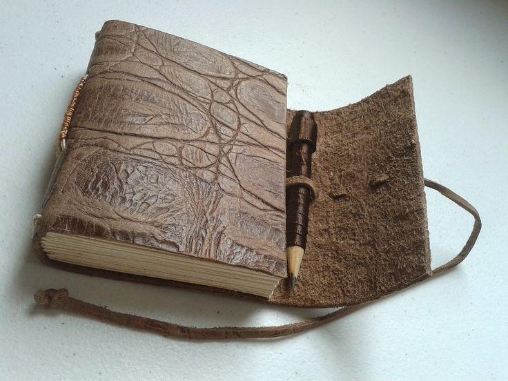 PAPO PAPEL: Sketchbook em couro