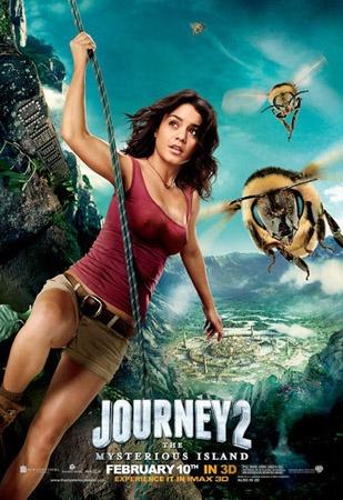 Journey 2 The Mysterious Island. Al parecer la peli va de un concurso de camisetas mojadas con ex niñas Disney