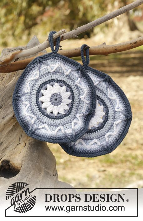 Soleil Bleu crochet potholders with flower by DROPS Design Free Pattern
