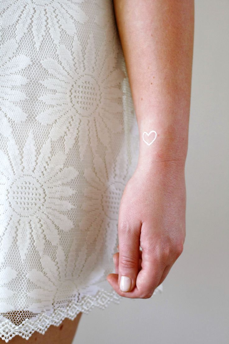 These little white hearts will look super cute on your wrist or fingers. ................................................................................................................ WHAT YOU GET: