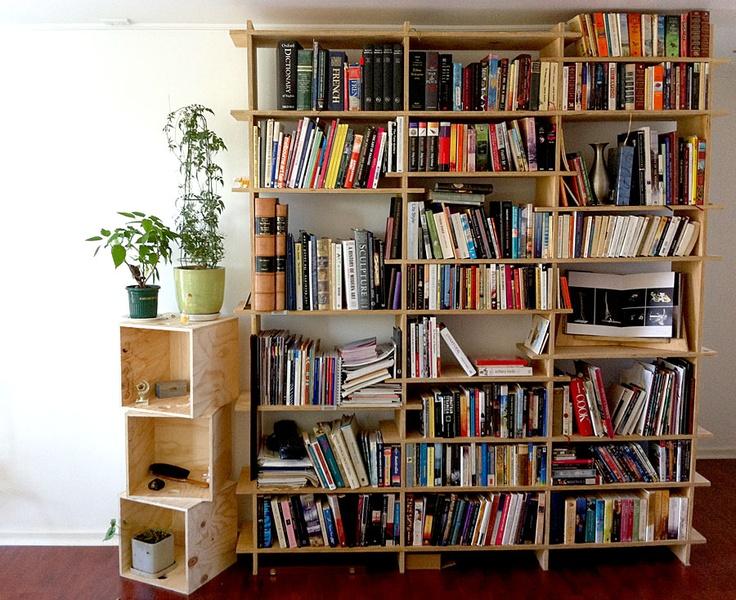 Perfect DIY Milk Crate Bookshelf  Caixescratesboxes  Pinterest
