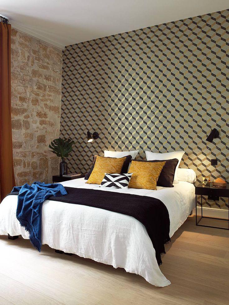 bedroom by interior designer Maureen Karsenty