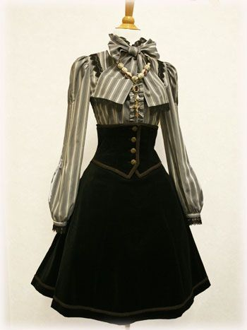 This SCREAMS my Steampunk persona. Love it. Might use for steampunk inspiration.