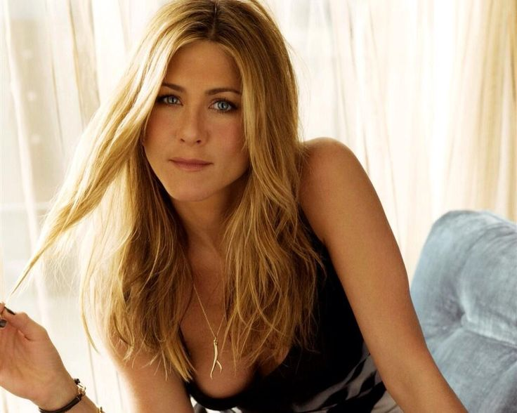 Jennifer Aniston's 45th Birthday Celebrated Without Her Fiancé Justin Theroux