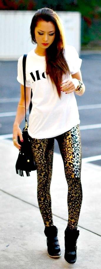Loving this outfit. Fun leggings w. tee.