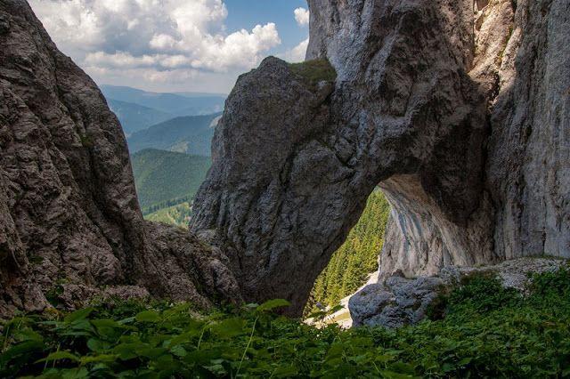 Turism-Romania: Unul din cele mai bune locuri de vizitat din Roman...