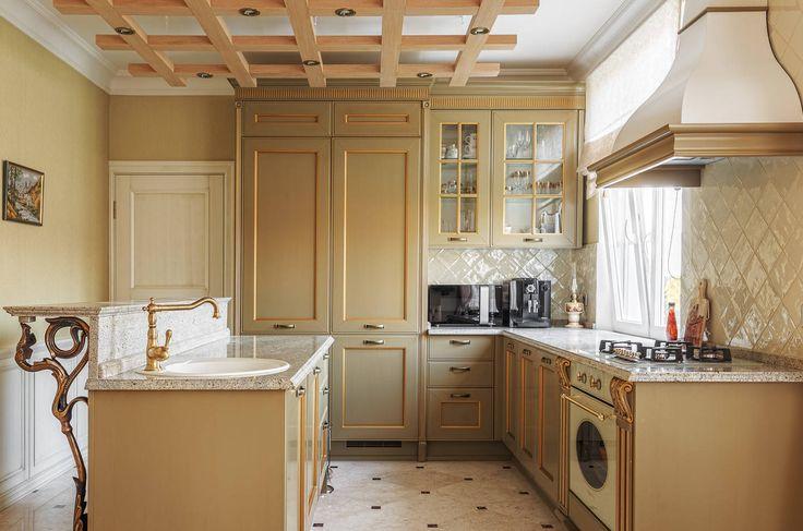 """Кухня """"классика"""" возрождение традиций и безупречная элегантность (фото) http://happymodern.ru/kuxnya-klassika-40-foto-bezuprechnaya-elegantnost/ classics-kitchen Смотри больше http://happymodern.ru/kuxnya-klassika-40-foto-bezuprechnaya-elegantnost/"""