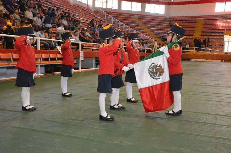 Participan menores de preescolar y educación especial en muestra de escoltas de bandera y bandas de guerra   El Puntero