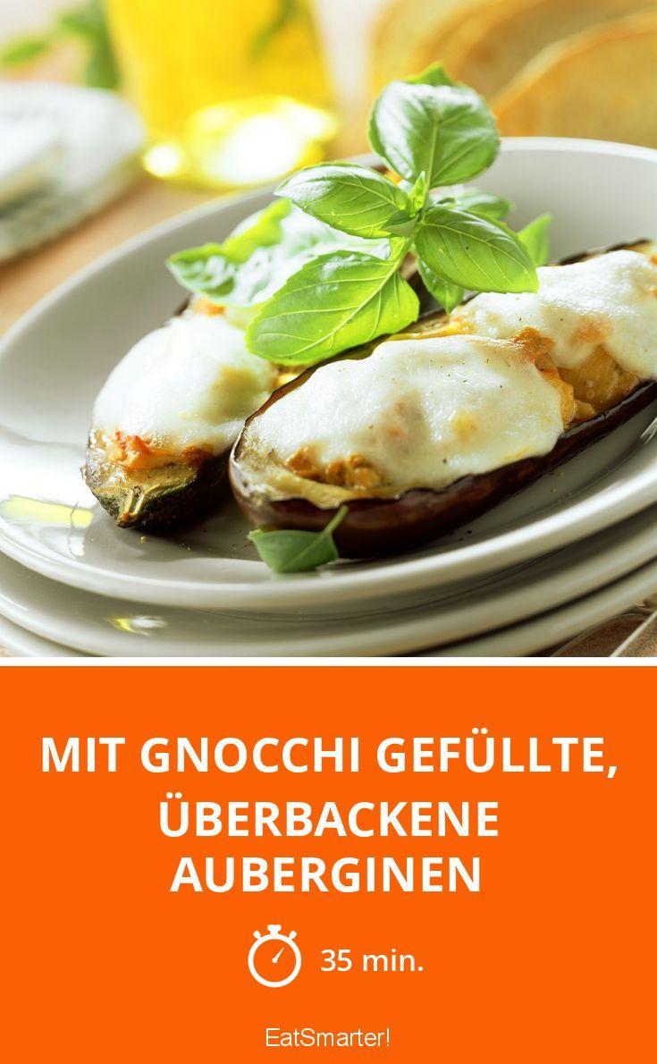 Mit Gnocchi gefüllte, überbackene Auberginen