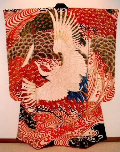 KIMONO - Dramatic Taisho Period (1912-1926) wedding kimono featuring one magnificent crane.